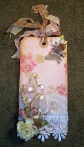 shabby chic tag by butterbeescraps