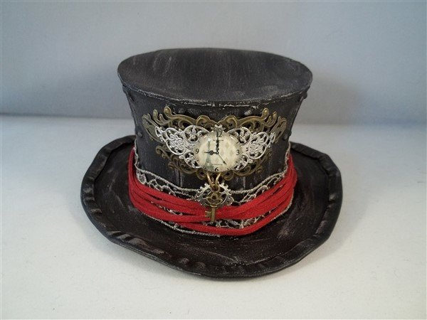 steampunk mini top hats by butterbeescraps