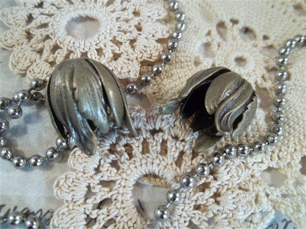 bronze tulip bead caps by butterbeescraps