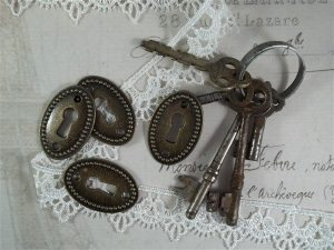 bronze decorative keyholes by butterbeescraps