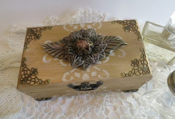 altered memory box metal filigree embellishments butterbeescraps