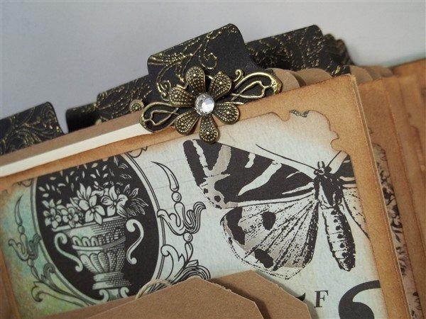 kaisercraft 75 cents mini album by butterbeescraps
