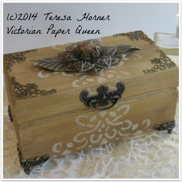 wooden altered memory box for butterbeescraps