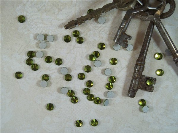 olivine flat back glass rhinestones by butterbeescraps