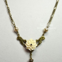simply elegant flower necklace for butterbeescraps