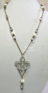 shabby gems fleur de lis necklace