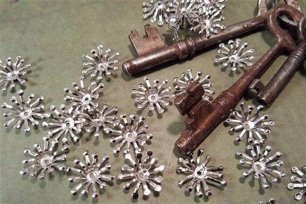 silver flower stamen filigree bead caps