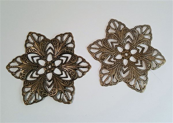 contrast of dry brushed filigree