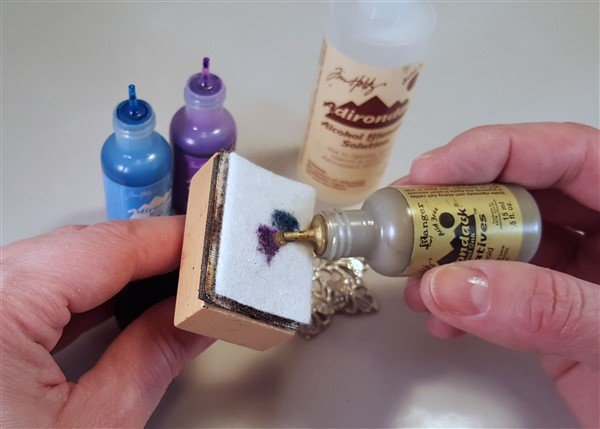 tutorial - alcohol ink - pouncing