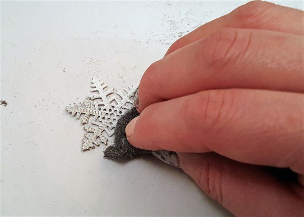 altering metal filigree embellishments using embossing powders
