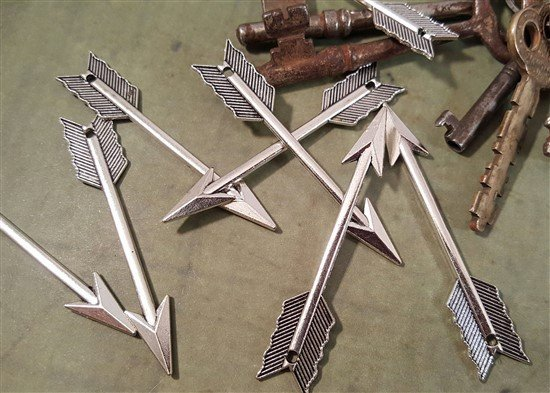 large silver arrow charms